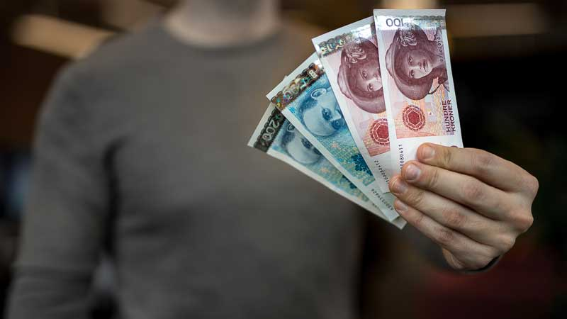 Billetes retirados de 100 y 200 Coronas Noruegas