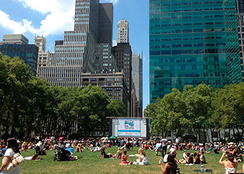 Outdoor cinema, concerts and theatre in New york