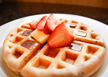 Desayunos típicos: Gofres con sirope de arce en Estados Unidos