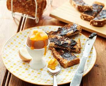 Desayunos típicos: tostada con Vegemite en Australia